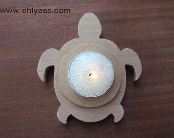 TURTLE candle holder made of beech wood (fretwork)