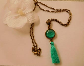 Necklace retro vintage green cabochon painted by hand and tassel