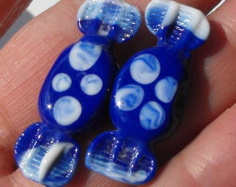 Perl.1548 duo of small candy blue and white Murano glass