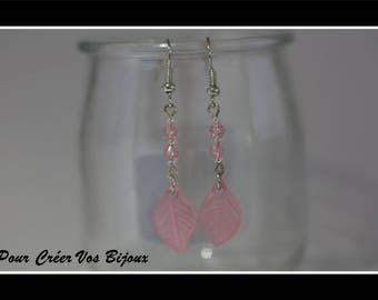 Kit dangle earrings with pale pink sheet and its acrylic bicones