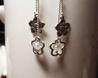 Pair of clear Crystal flowers earrings