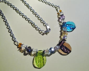 Necklace multicolor leaves
