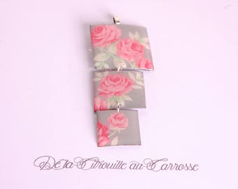 English, gray and pink rose pendant
