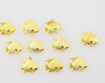 Gold and light charm fish