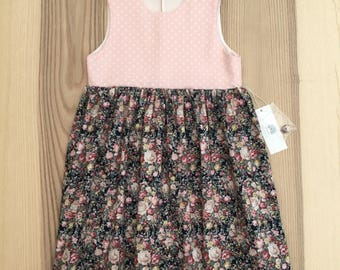 Girl dress size 5-6 years.