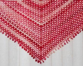 Crochet shawl: shades of pink