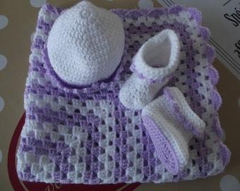 Booties and hat baby crochet blanket set