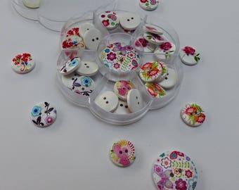 box of 32 heart Butterfly flower pattern wooden buttons