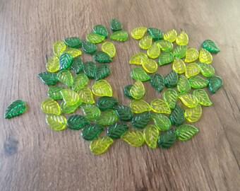 Lot 30 beads (dark and light) green leaves.