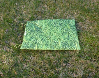 Coussin de randonnée imitation Herbe à emporter partout !!!
