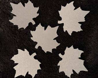 Set of five mini embellishments in the shape of leaf White Pearl