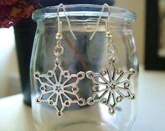 Earrings silver snowflake