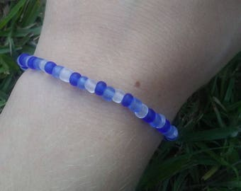 Frosted Blue and White Glass Bead Bracelet