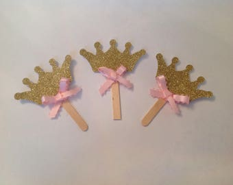 Crown with bow cupcake topper