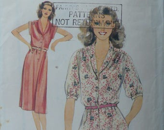 Women's or Misses' Vintage Sewing Pattern for Dress, Style 2631, Size 12