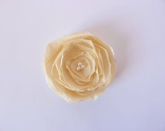 "Romantic brooch ""Desert Rose and white beads"""