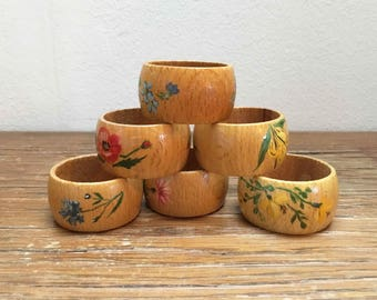 Set of 6 wooden vintage napkin rings with hand painted flowers