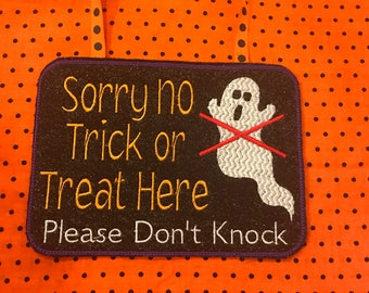 No Trick or Treating Door Hanger/Sign