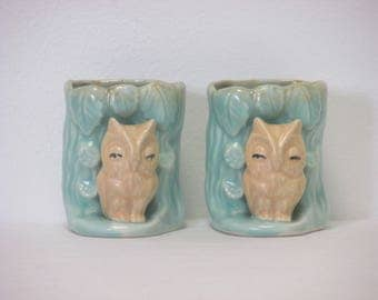 Vintage 1950s Hornsea OWV 131 Pair of Small Owl Wall Posy Vases