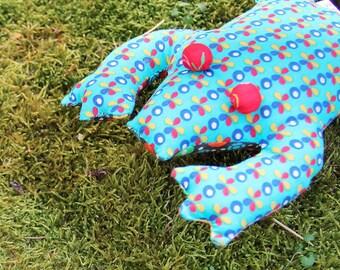 "Cuddly stuffed fabric ""frogs"""