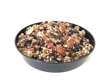 the Original Earth's Treasures -toet. An all organic snack with propolis, chia, hippophaes, almonds, walnuts, apricots, gojiberry, cranberry