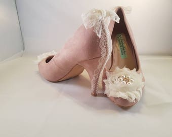 vintage inspired lace and pearl shoes size 4