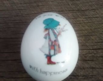 "Holly Hobbie Egg Shaped Trinket Box, Porcelain Holly Hobbie Trinket/Jewelry Box "" Fill Your World With Happiness """