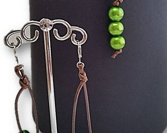 Green Pearl and leather necklace