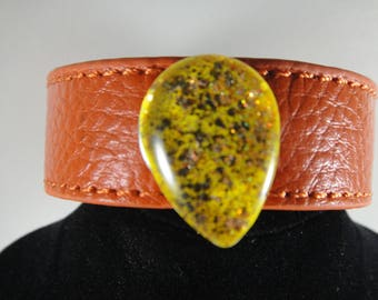 Bracelet leather with cabochon clips handmade and therefore unique.