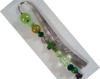 "Bookmark ""Vine"", approx. 122 x 12 mm, altsilberfarben with green beads and a stainless steel clover and a turquoise rabbit"