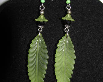 Feather earrings Apple green Lucite
