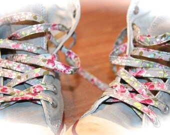 LACE FLOWERS FOR FLORAL GRAY SNEAKERS