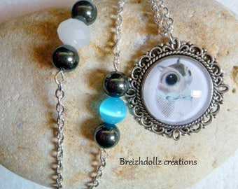 Necklace cabochon squirrel and glass beads