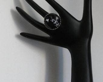 Glass cabochon Adjustable ring pretty little bird