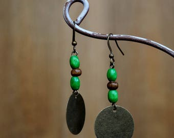 Nice pair of earrings inspired by the Islands