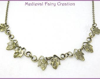 """Necklace """"Ivy"""" symbolizing the attachment and nature"""