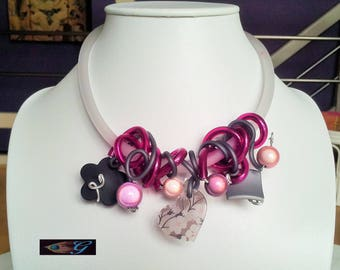 Choker necklace made of pvc and magic pearls