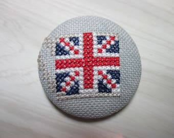 Embroidered button no. 9