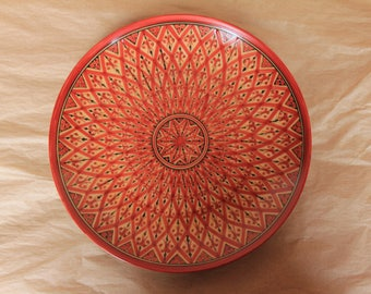 Cake Plate in Lozenges Red