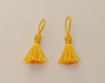 2 PomPoms decoration 4.5 - 5 cm yellow tassels