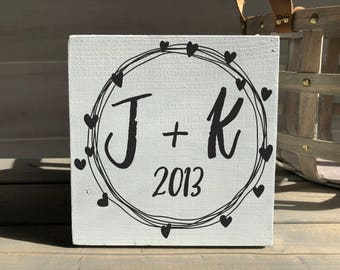 Valentine's day decor-valentine's day gift-farmhouse-farmhouse sign-initial sign-wreath sign-initial decor-wood decor-wood sign-self sitting