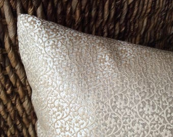 Cushion Palazzo Jacquard-noble and elegant