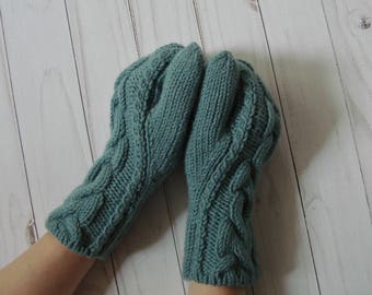 Hand knitted mittens Hand knit gloves Women winter warm mittens Ladies gloves Womens beautiful hand warmers Cable knit wool acrylic mittens