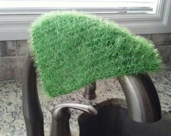 Kitchen Dishcloth. Kitchen Scrubber. Green Dishcloth. Green Scrubber. Gift for house warming. Gift for home. Gift under 25. Kitchen cleaning