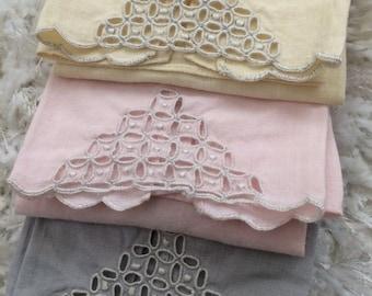 AA Lot Madeira Marghab Fingertip Towels Set Ponto Grega Compasswork Linen Vtg
