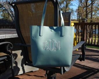 Custom Embroidered Handbags, Monogramed bags,  Monogramed Purse,  Custom Embroidered Purse,  Embroidered Purse,  Custom gifts,  Ladies gifts