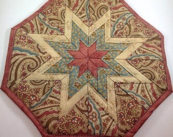 Star Hot Pad/ quilted trivets/ pot coasters/ star trivets/ primitive trivets/ country trivets/ country hot pads/ quilted hot pads/pot trivet