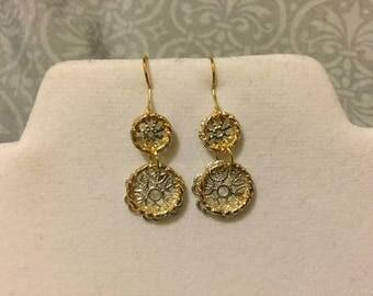 Golden ring, silver flower