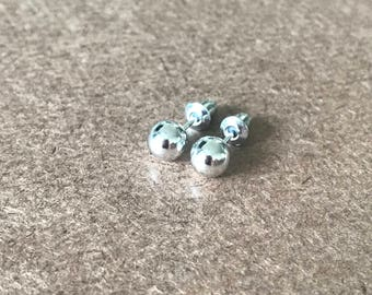 5mm. Silver ball stud earrings