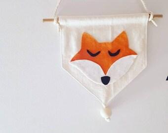 Fox linen and felt pennant